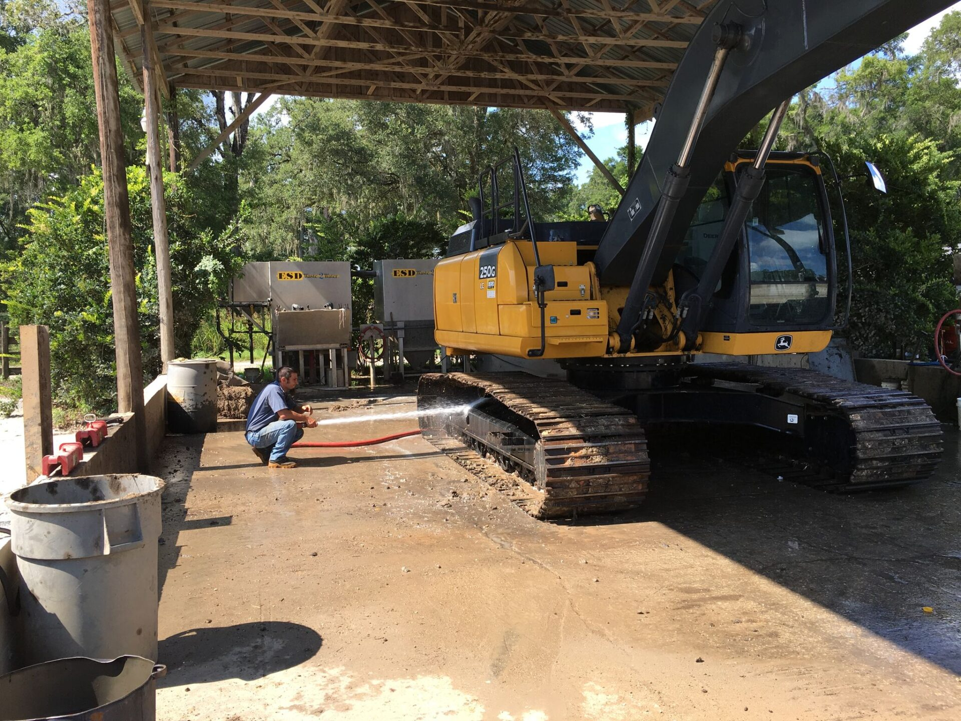 washing caterpillar digger with wastewater treatment